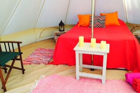 5+ Furnished Bell Tents + 1 Yurt on Magical site - West Firle - Tipi
