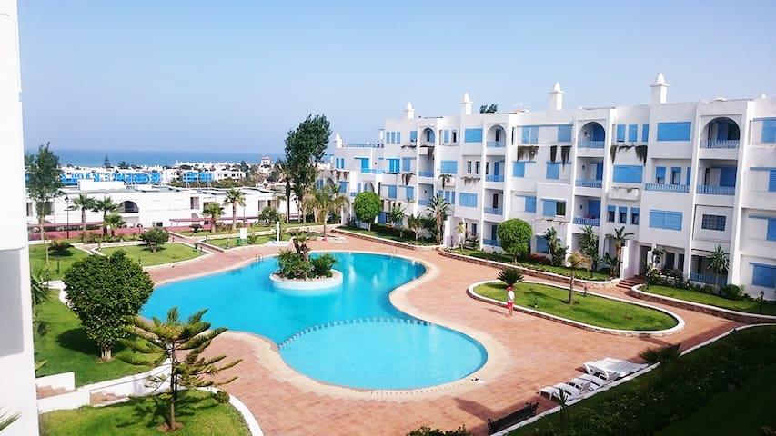 Bel appartement avec vue sur piscine et plage - M'diq - 公寓