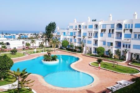 Bel appartement avec vue sur piscine et plage - M'diq