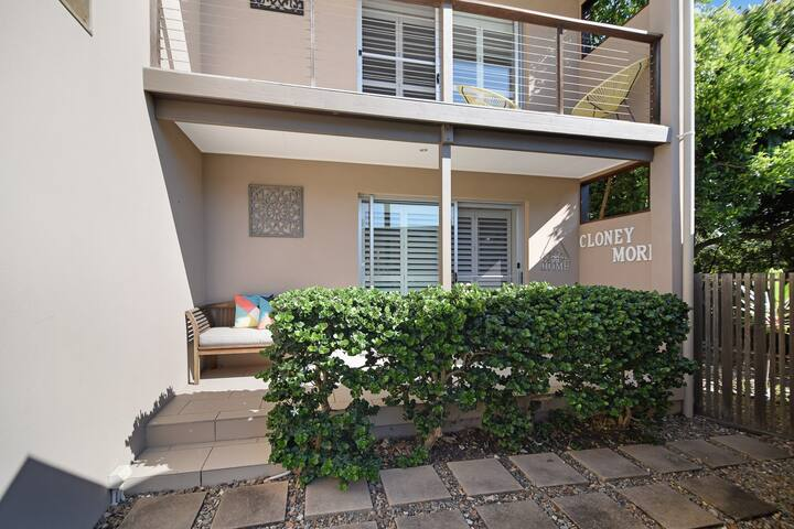 2 bedroom pet friendly unit in South Peregian