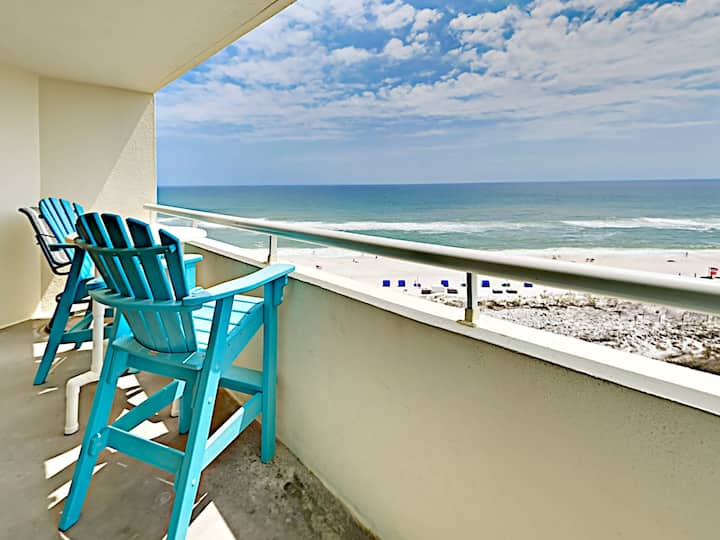 1BR Beachfront w/ Balcony & Pools
