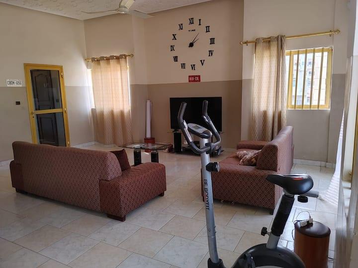 Appartement meublé, 03 chambres salon climatisés😍