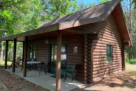 Dilly's Hatfield Resort Cabin (#3)