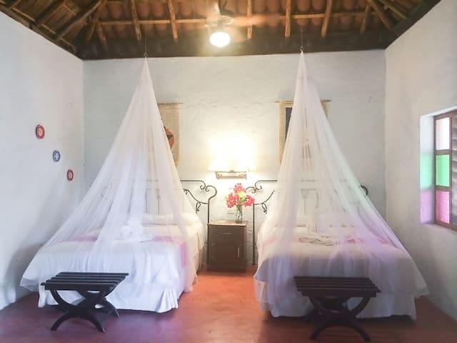 La Casa del Mago - Private Bungalow in Uxmal