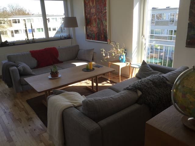 Large, lovely and light apartment - Gentofte - Flat