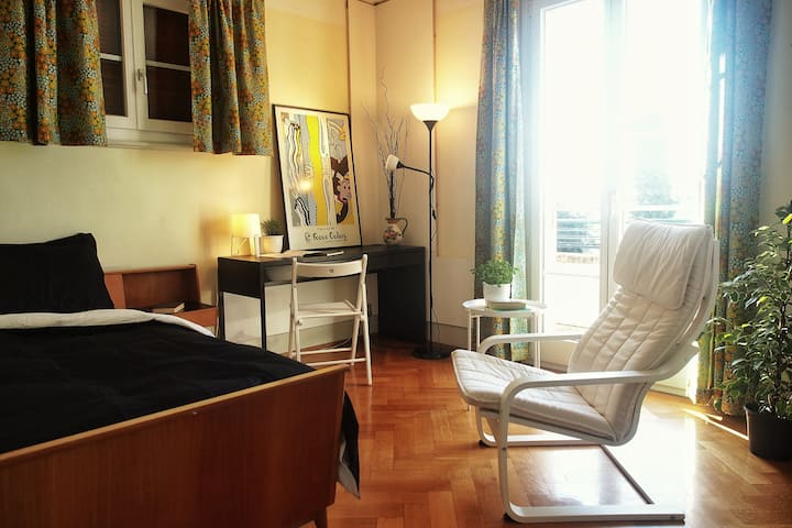 Private Room & Balcony, lake view, 3min Metro&Bus