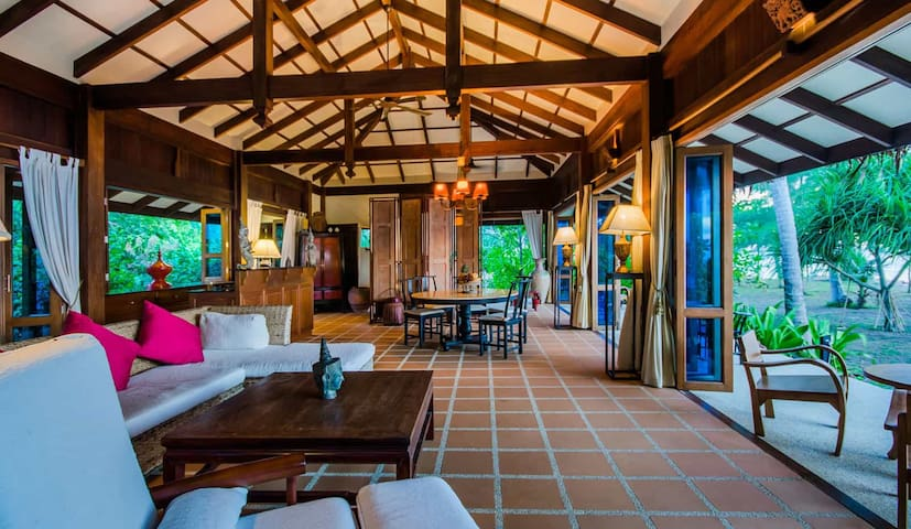Spacious villa ideal for family or friends