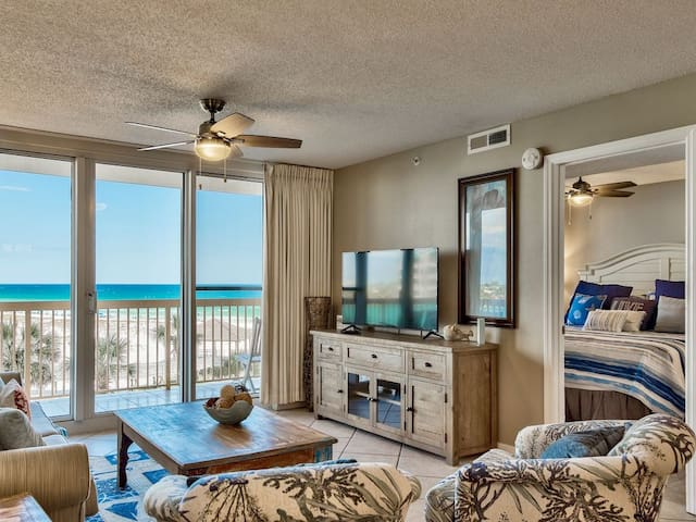 Pelican Beach 4th floor 2 bedroom -on the beach-