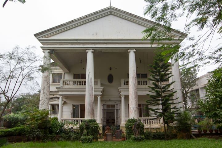 White House in Lonavala - Lonavala