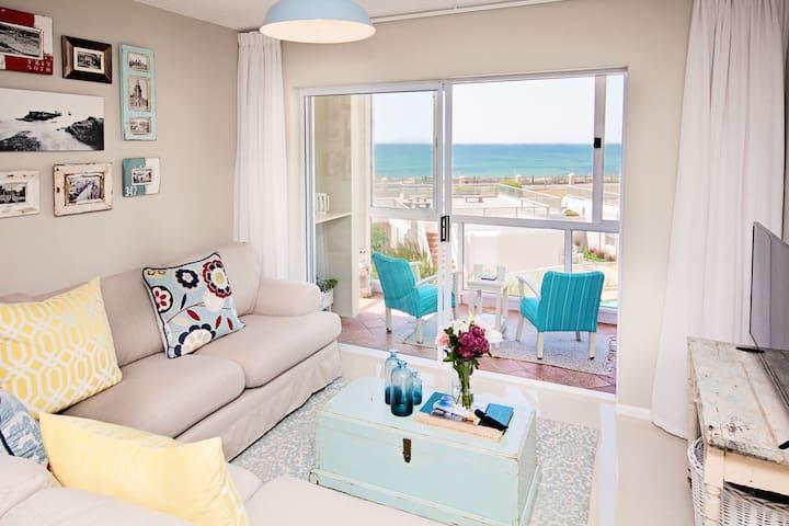 DREAM APARTMENT + BALCONY on the SEA - Port Elizabeth - Apartamento
