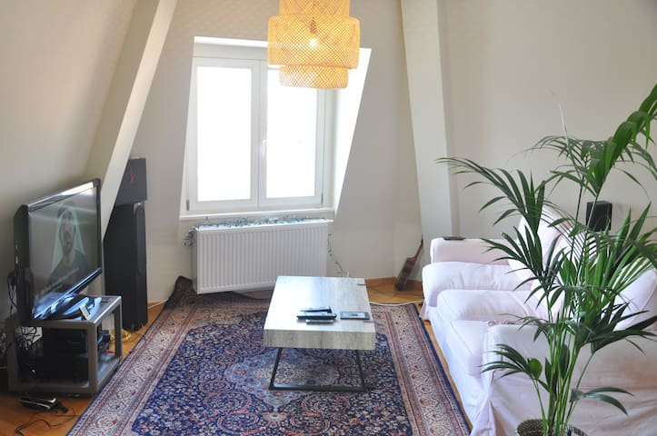 INCREDIBLE CENTRAL ROOFTOP LOCATION - Bruxelles - Apartment