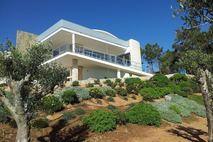 Modern Villa in Caldas da Rainha by the Sea
