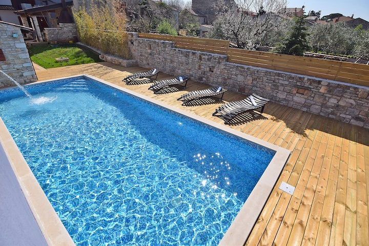 Villa San Rocco with heated pool 40m2 and jacuzzi