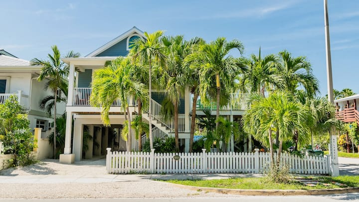 **BELLE OF THE BEACH @ CASA EAST** One-of-a-kind Beach House + LAST KEY SERVICES…