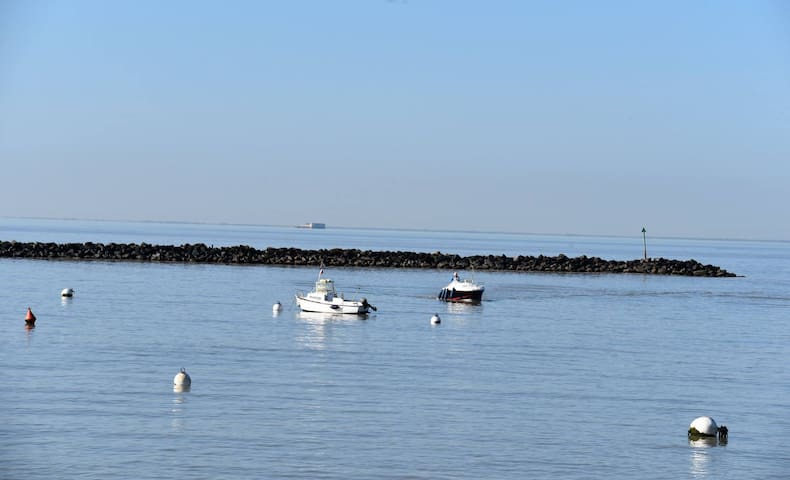 Ambiance détente au bord de l'Océan - Yves - Rumah Tamu