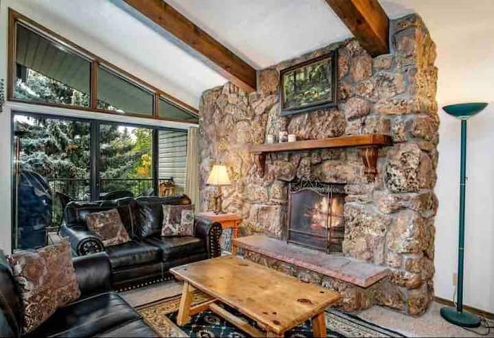Beaver Creek West 4br/4bath Condo Free Ski shuttle