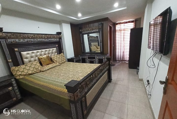 One Bed Apartment 405 | HS GLOBAL APARTMENTS