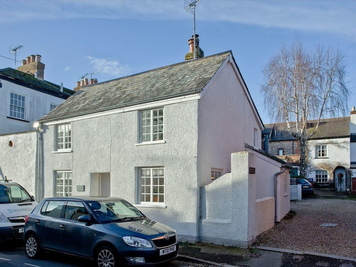 Cosy Character Cottage in heart of Topsham, Exeter