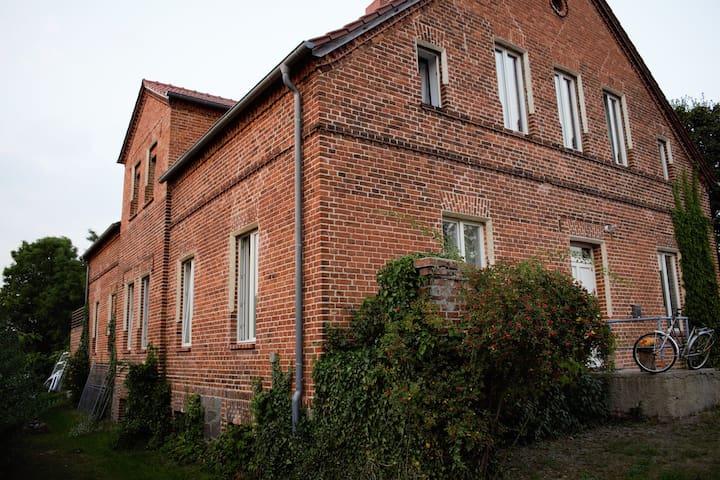 Gutshaus Suckow (Uckermark) - Flieth-Stegelitz - Rumah