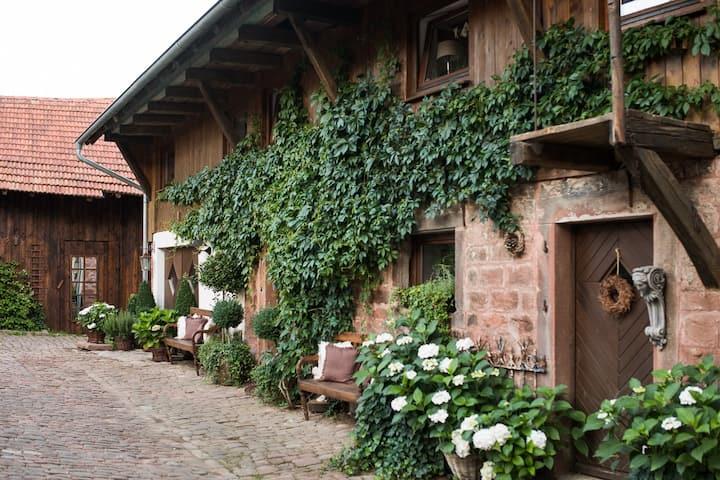 Bauernhof: Haus mit besonderem Charme und Sauna