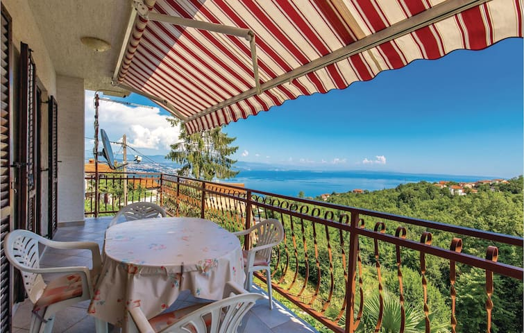 Holiday apartment with 2 bedrooms on 62m² in Matulji