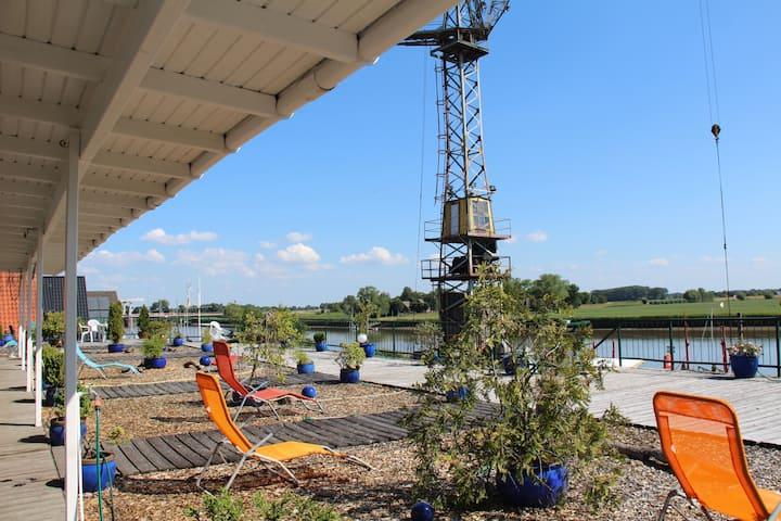 Atelier auf 165qm mit Blick über den Fluss