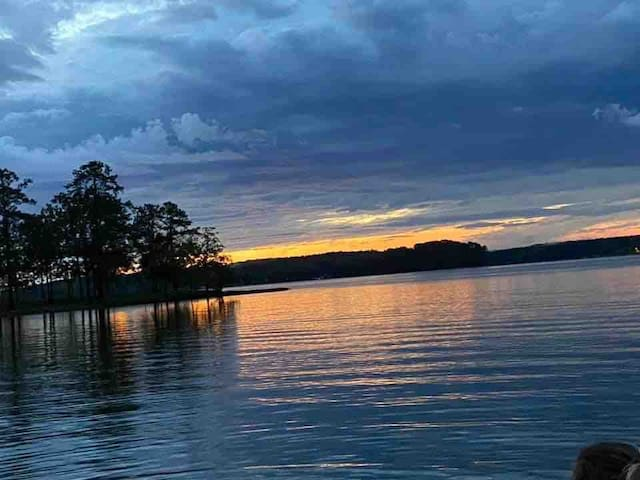 Quick Retreat on beautiful Lake Wateree, SC