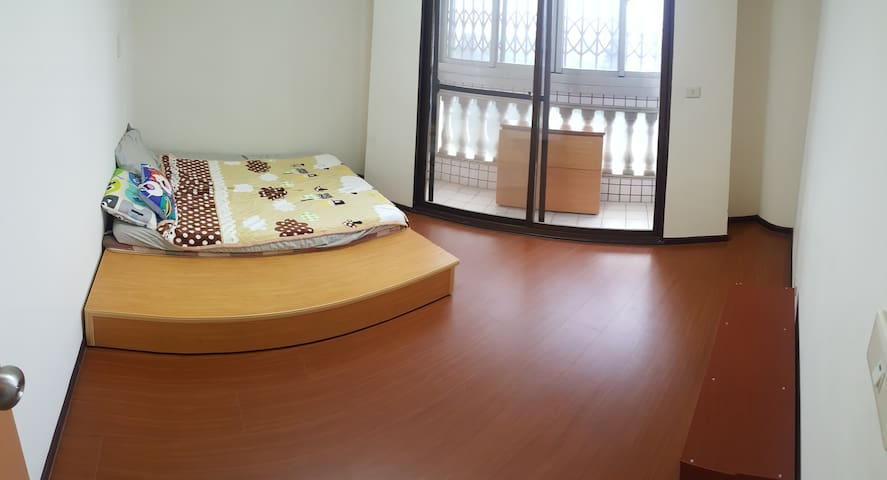 Private room in Huwei Township - Huwei Township - Appartement