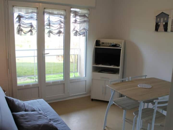 Appartement proche THERMES DU CONNETABLE - FR-1-541-29