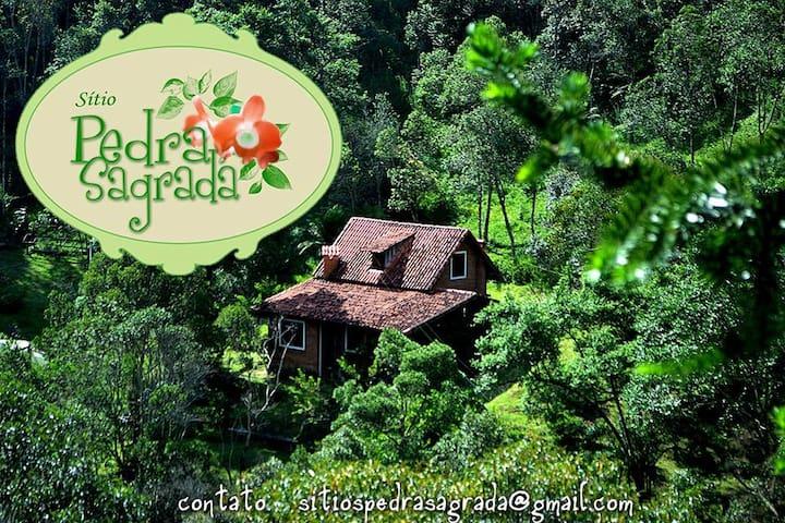 Casa na montanha, rios e natureza preservada