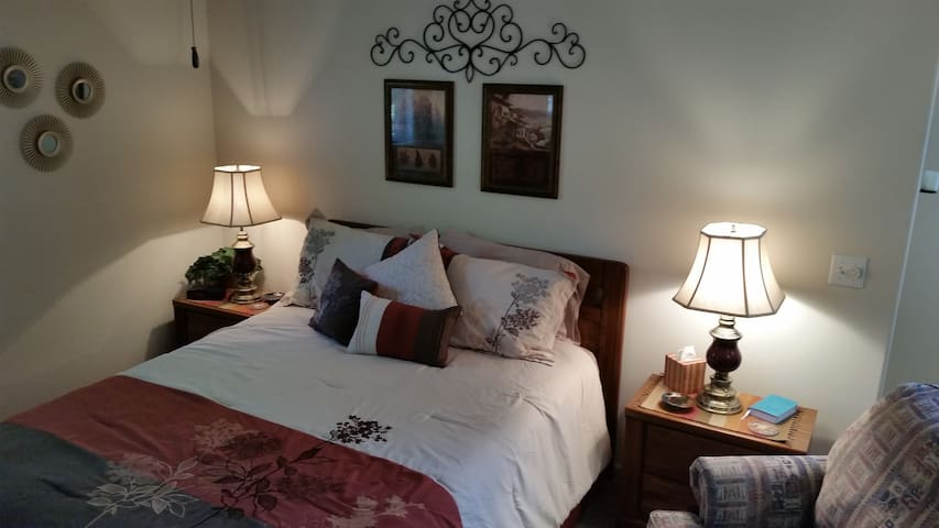 Cozy, quiet condo near Silver Dollar City - Branson West