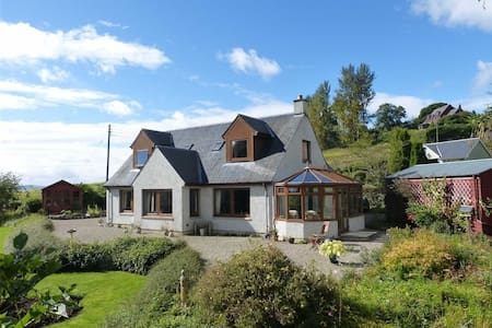 Peaceful double in Kinnaird by Inchture Perthshire