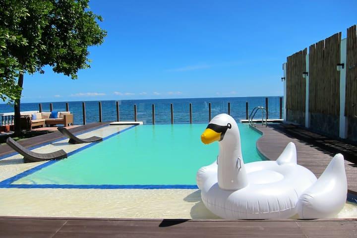The Seaside Villa