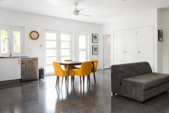 Awesome Apartment in Aspley - Aspley - 一軒家