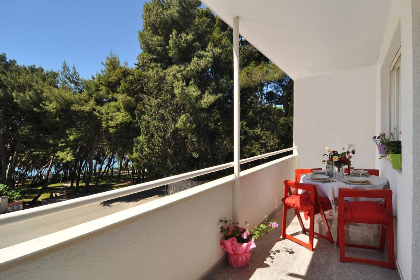 Sea front apartment 50 meters from the first beaches  Ovcice, Firule and Bacvice