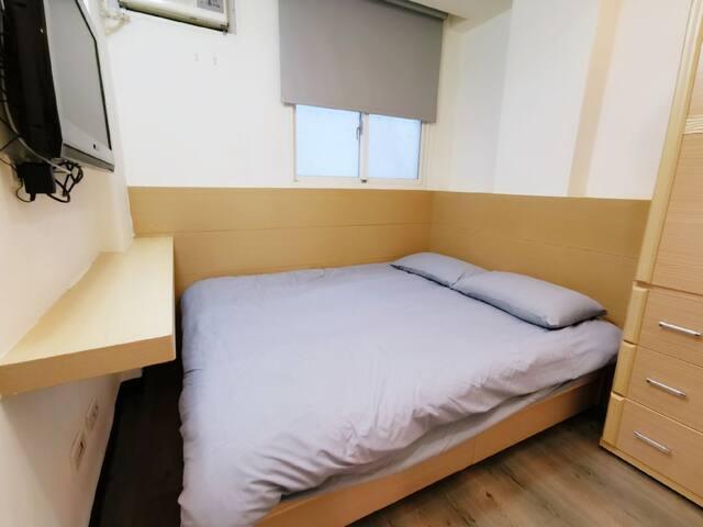 Backpacker | Room 405 | Center  Ximen MRT 3 min |
