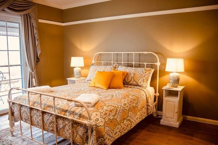 The Dorothea Mackellar Room; Carpe Diem Guesthouse