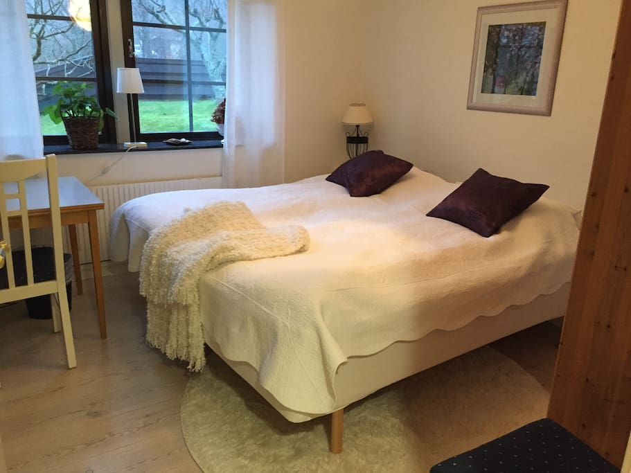 Bedroom nr: 1  Very comfortable beds. (3 mattress) 180 x 220 or two single beds ; 90 x 220 cm, can be separated.