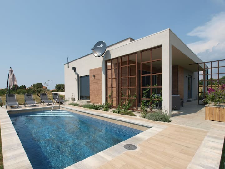 """2052"" Villa for 5 people with pool"