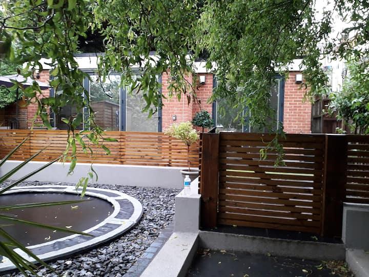 Modern & Spacious Garden Apartment - High Barnet