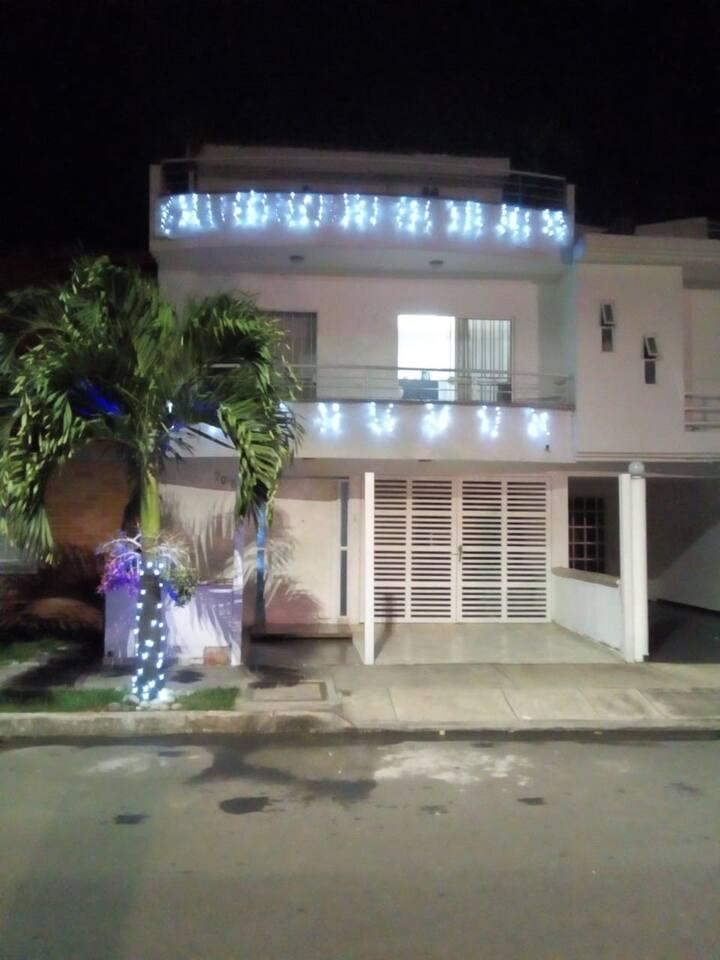 casa familiar ubicada en un excelente barrio de la ciudad de Cali