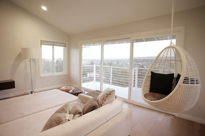 *NEW Quiet Rm PRIVATE Bath w/VIEW! Relax by Disney