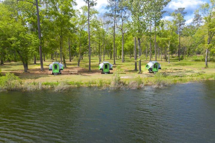 Palmetto Lake Edge 2 at Charleston Woodlands