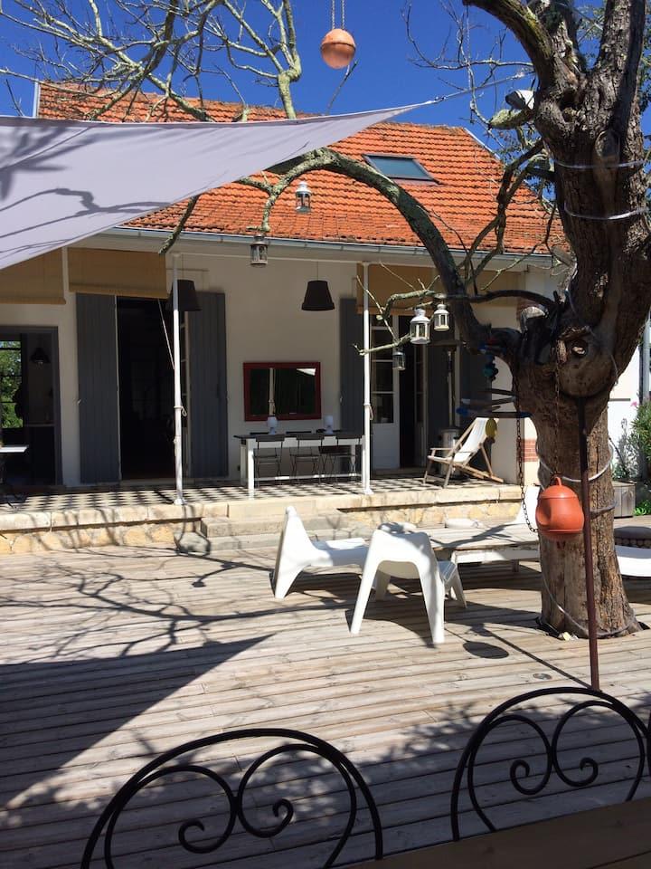VILLA LE RÊVE, maison de charme 50 m du bassin