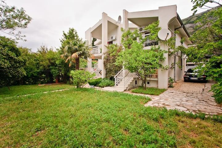 Villa Lotos/ 3 Bedroom apartment (2-nd floor)