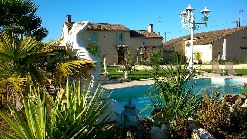 gite au milieu des vignes près du golf - Saint-Philippe-du-Seignal - Casa