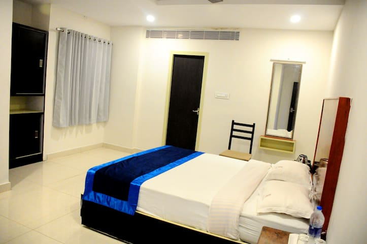 Single Room Perambalur Rathna Park