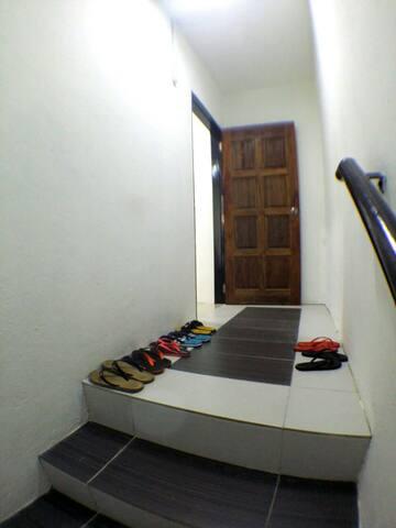 梦. 想家民宿 Dream Home Hostel (Room A) - Semporna - Penzion (B&B)