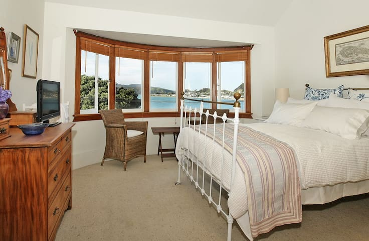 Beachfront Bed & Breakfast-  Double Room
