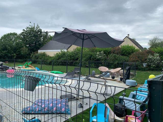 Détente dans le Perche : Maison  piscine jaccuzi